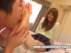 Japanese girl has beautiful, plump soles with amazig, cheesy smell!