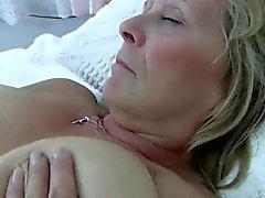 big boobs briten brünett fingersatz