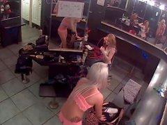 blondes cames cachées nudité en public