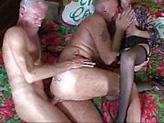 гей бабушка бисексуал би
