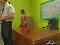 adolescente brunetta insegnante cazzo