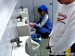 aziatisch pijpbeurt brunette japanse buiten