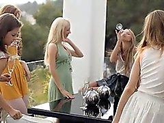 blondine gruppen-sex lesbisch