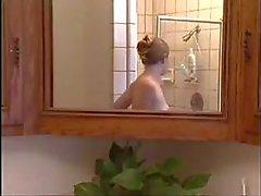 hardcore vuotias nuori suihkut selkäsauna teini-ikä
