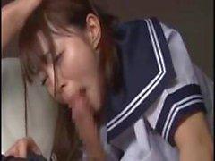 asiatisch teenageralter tits japanisch 18 jahre alt
