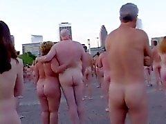 amateur gros seins lesbiennes nudité en public
