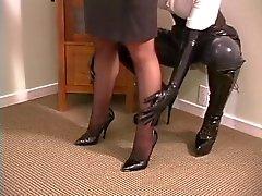 садо-мазо рабство женское латекс трепка