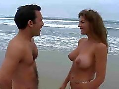 strand grote borsten milfs