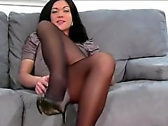 FetishNetwork Alyssa demands jerkoff