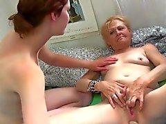 blondin granny hd lesbisk