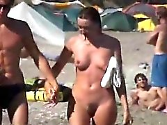 amateur plage brunette de plein air