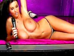sologirl brünett big tits webcam