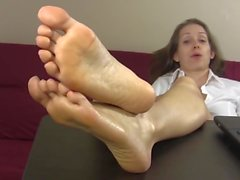 babes brunettes foot fetish