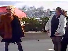 frans publieke naaktheid trio upskirts