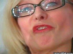 blondin fetisch milf nylon