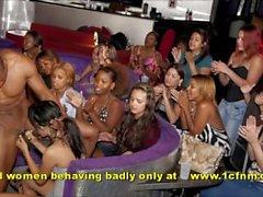 amatööriluokassa - kuorintapihdit imeä - stripparin nykäys - strippari