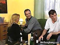 blondine europäisch gangbang gruppen-sex reifen