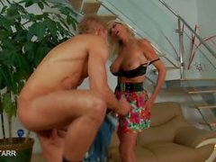 emma starr mom mother angelina-valentine