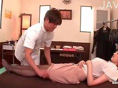 asiatique massage japonais seins