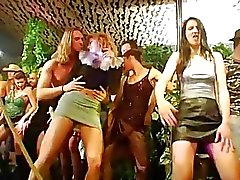 club group sex horny girls night club