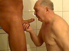Begegnung in der Dusche