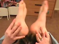 coquin entortillement pieds footjob