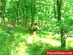 outdoor blowjob mature cougar
