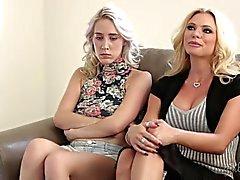 lesbian blonde licking vagina