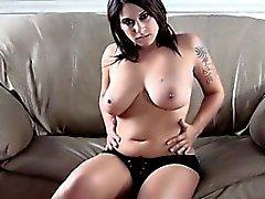 brunette doigté masturbation