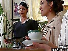 jessyka kuğu samia duarte sophie vaşak ters ilişki oral seks