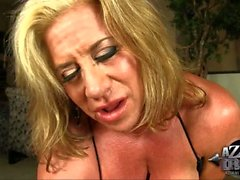 fille solo masturbation mature blond