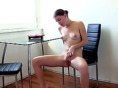 amateur brunette european hd masturbation
