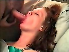 she loves men wanking over her