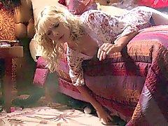 grandes tetas rubias celebridades gracioso lencería