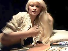 blonde hd masturbation