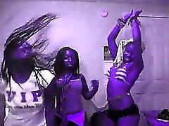 amateur black and ebony lesbian