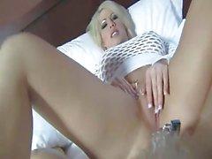 blondit femdom handjobs pov