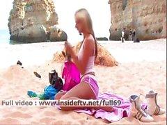 amateur plage blond se masturber de plein air