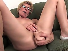 amateur blonde masturbation mature