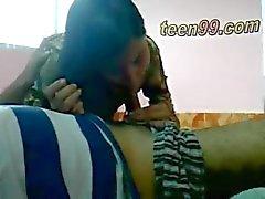 çift genç hint öpme romantik