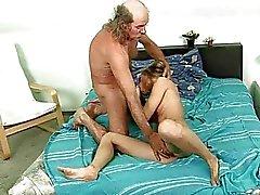 vanhat kukot vanhoja pieruja vanha mies porno