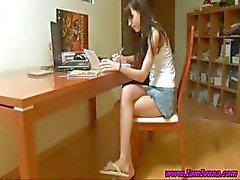 schattig meisje schoolmeisje slank tiener