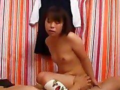 asiatique hardcore équitation étudiant petits seins