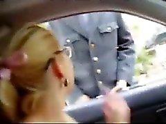 amateur clignotant nudité en public russe seins