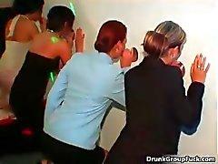 amatör oral seks sarhoş toplu tecavüz grup seks