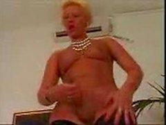 solo shemale masturbation dick ebony