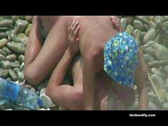plage nudité en public cames cachées