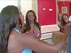anaali musta ja ebony ryhmäseksiä