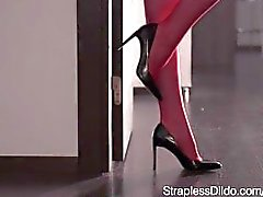 straplessdildo flicke on-girl kink fullvuxna - leksaker strapon