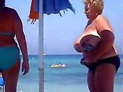amador peitos grandes grannies